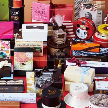 通販サイト「フェリシモ」のバレンタイン企画『幸福のチョコレート』では、フランス・スイス・ドイツ・ベルギーなど世界中からセレクトしたチョコレートを扱っています。  フェリシモでしか買えない世界のレアなブランドチョコもたくさんそろっているんですよ!