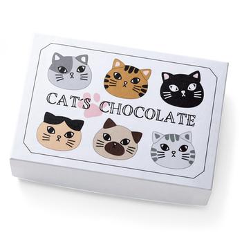 甘すぎないキャラの猫たちと同じく、味もレモン風味のティラミス味で、甘さ控えめの本格ベルギーチョコ。 チョコが好きな猫好きさんへ。