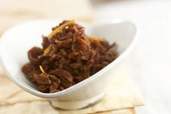【牛肉のしぐれ煮】 ご飯が進む牛肉のおかず。常備菜としても人気ですね。ごぼうや白滝を入れないシンプルなしぐれ煮もおすすめです!日持ちもするので、作り置きしておくと、とっても便利ですよ。