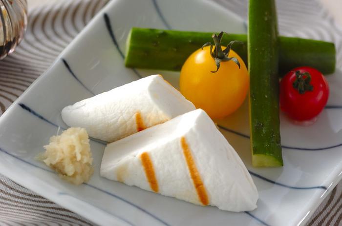 【焼きハンペン】 はんぺんをさっと焼いただけの超お手軽レシピ!生姜じょうゆでいただくはんぺんは、おでんとはまた違った美味しさです。