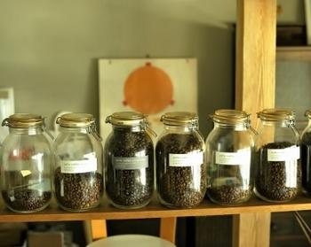 ブレンドコーヒー2種、ブラジル産やコロンビア産などそれぞれの豆の特色が味わい深いストレートが6種ラインナップ。苦味を味わい人、まろやかさが好きな人・・・コーヒー好きさんの色々な好みに応えてくれます。