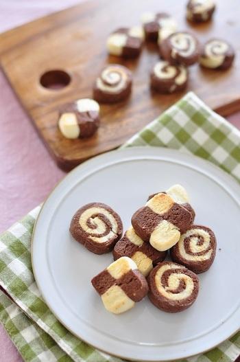 市松模様のアイスボックスクッキーがオシャレでかわいい!普段のギフトにも喜ばれそうですね。
