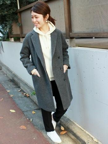 チェスターコートはもともと紳士服ですから、ちょっとメンズライクぐらいが可愛いかもしれません。