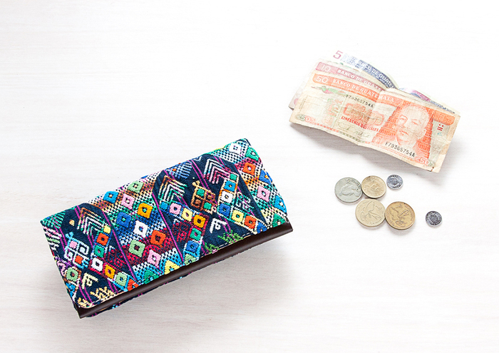 お財布がこんなに素敵なら、改めてお金の大切さを感じそうです。