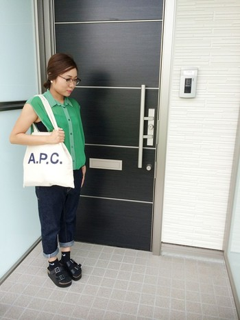 【A.P.C.(アーペーセー)】を取り入れた、シンプルフレンチスタイル☆