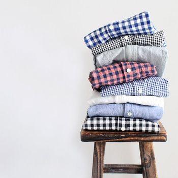 色の組み合わせや、線の細さでまったく印象の変わるチェックシャツ。コーディネートのアクセントになり、流行に左右されない定番アイテムです。