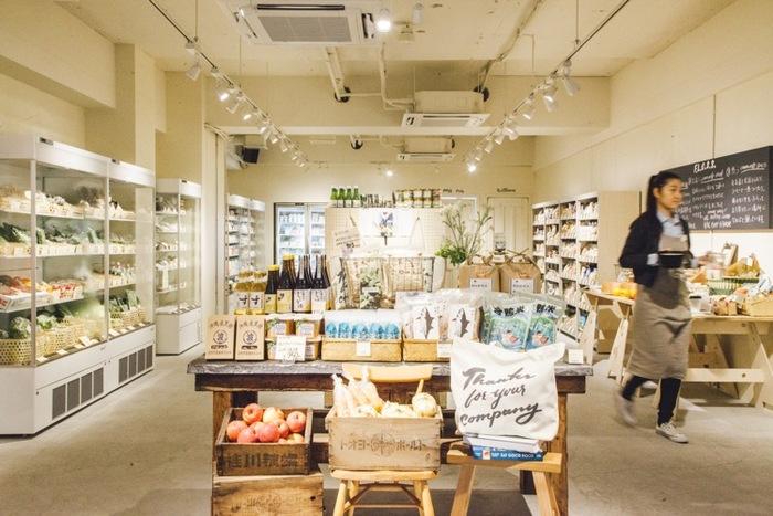 店内にはその時々のテーマに沿ったオーガニックな食材が揃い、常に新しい提案があり、商品を見ているだけでも食について詳しくなったり、新しいアイディアがもらえます。