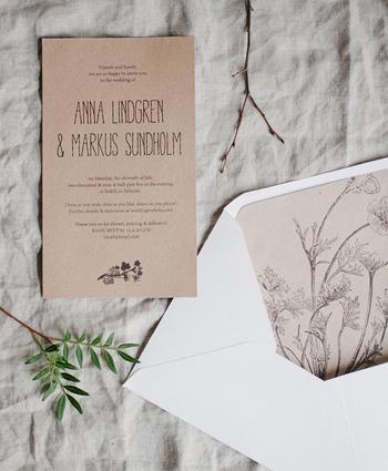 ヴィンテージなお花のイラストレーションを使ったアレンジです。 好きなイラストの紙を使うか、このイラストを無料ダウンロードできるので、プリントアウトして使う事もできます。