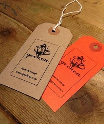geckouは、高澤祥子さんと前田英子さんによるユニット。 ロンドンで花を学んだ後、2005年にオーダーメイドのウェブフローリストとして独立しました。 2010年、アート系ストアやギャラリーの出店が相次ぐCETエリア(東京東部の台東・墨田・中央区)エリアの1つ、千代田区岩本町にアトリエを構え、制作活動を展開されています。