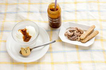 """素朴で優しい味わいのお菓子のベースとなるのはフランス菓子。家族や恋人、友人など""""大切な誰か""""と一緒に食べたくなるようなお菓子を目指し、道具にまで気を配り一つひとつ丁寧に作られています。  手作りの良さを感じられる食感や味わいの""""ざっくり感""""が美味しさの決め手です。"""