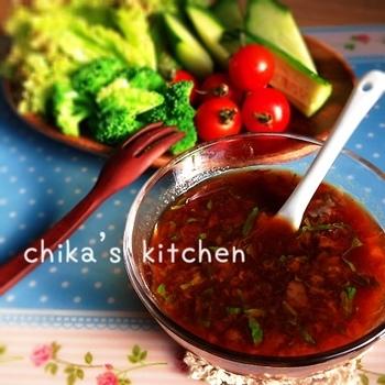 こちらは梅+大葉でより爽やかに仕上げたドレッシング。スタミナ不足を感じたら、程よい酸味でたっぷり野菜を摂りましょう!