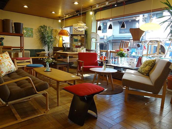 二葉セレクトの家具で提案されたインテリア空間が広がる店内は、すみずみまで楽しむことができます。幅広いラインナップが揃っていますので、たっぷり北欧を感じてくださいね♪
