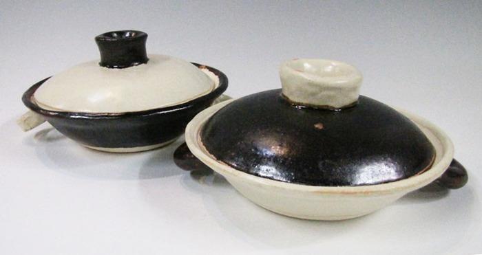 土鍋が自分でつくれるってご存知でしたか? 陶芸初心者でも、こんなに素敵な土鍋がつくれてしまうのです。そのほか、タジン鍋、グラタン皿、ステーキ皿などもつくれちゃいます。