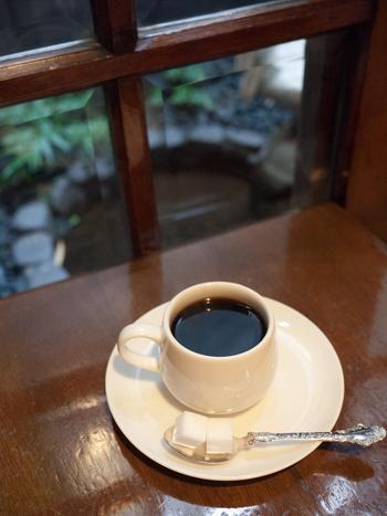 アラビア種の豆をブレンドした自慢のホットコーヒーは、ブラックが苦手な人でも飲めるくらいにとても飲みやすいのでいつもはミルクと砂糖をいれちゃう方も一度ブラックにチャレンジしてみては?