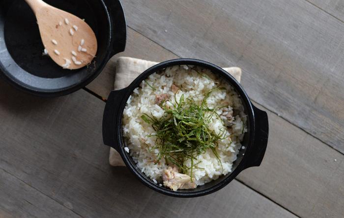 こちらは水炊き缶詰を使ったかしわめしのレシピ。缶詰を使った料理は野外での調理にも重宝しそう。公式ブログのレシピにはこつも記されているのでわかりやすくて嬉しいです。