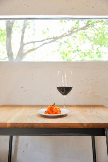 ワインは自然派の物が置かれています。その他アルコールの種類は豊富で、期間限定の物もあるようなのでお店でチェックしてくださいね。