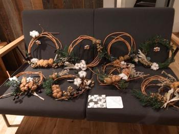 11月にはクリスマスリースのワークショップが開かれるなど、音楽に限らず様々なイベントが開催されるもようです。詳しくはお店のFacebookやTwitterをご覧ください。