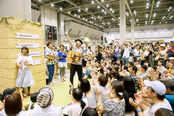 ライブなども催され、毎年会場は熱気に包まれます。