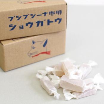 高知県産のショウガをまるごと凝縮した自家製の「ショウガトウ」も大人気。