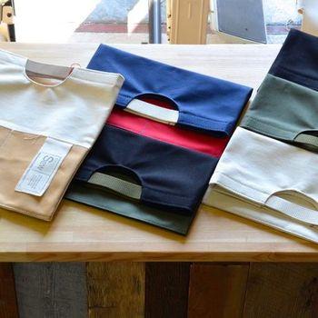 全6色。折り畳めばクラッチバッグになり、伸ばせばA4のファイルがすっぽり収まる便利なバッグ。本、書類やカタログの持運びにも最適です。