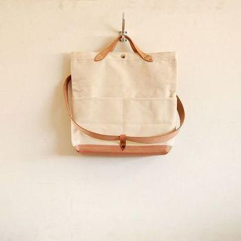 ツーウェイなので、このように手持ちのバッグとして使うことも可能☆