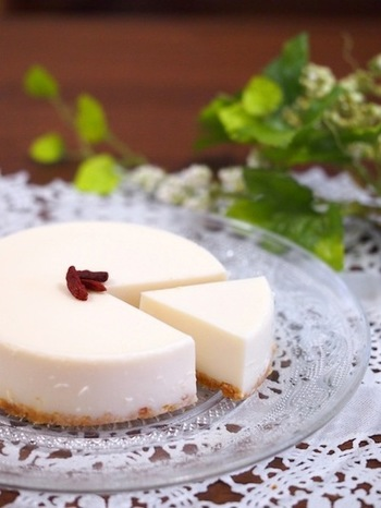 ■豆乳レアチーズケーキ■ 生クリームの代わりに豆乳を使ったヘルシーなレアチーズケーキ。ダイエット中の自分へのご褒美に。