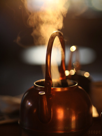 塩素を分解する作用がある銅。 白湯を沸かすにも最適、お茶もまろやかに…。 HIには対応していないので注意してくださいね。