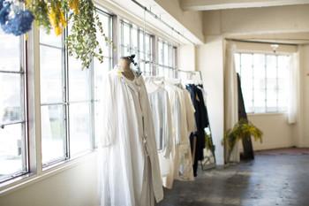 台東区蔵前にある「SUNNY CLOUDY RAINY」をご存知ですか?2015年3月にオープンしたばかりの、毎日の生活を楽しくしてくれる日用品やお洋服などに出会うことができるお店なんです。