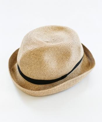 """""""BOXED HAT / mature ha."""" 柔らかい質感が魅力的なマチュアーハのBOXED HAT。くしゃくしゃっと畳んで収納できるので、持ち歩く際にもかさばらないのが良いですね。"""