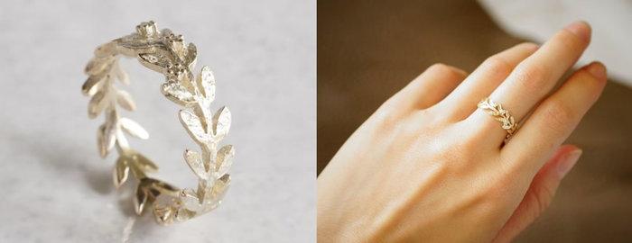 ジャルダン(庭)をテーマにしたリングです。神話に登場するオリーブの葉がモチーフになっており、オリーブの冠のように枝が一周するシンプルなデザインが際立ちます。