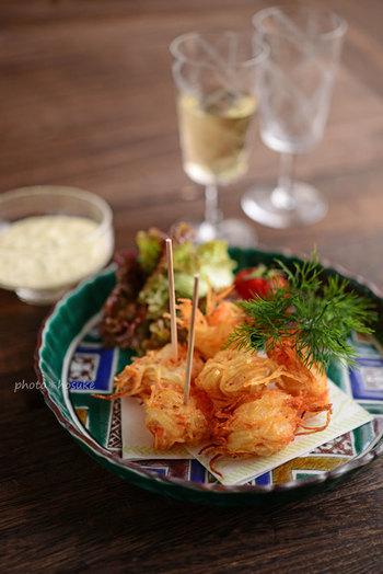 スペイン料理ピンチョスも、九谷焼と合わせることで和の雰囲気に。お皿がいいと、カジュアルなお料理もランクアップして見えますね。