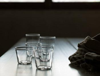 よくある形なのに存在感大。 厚みが絶妙なグラスですね。