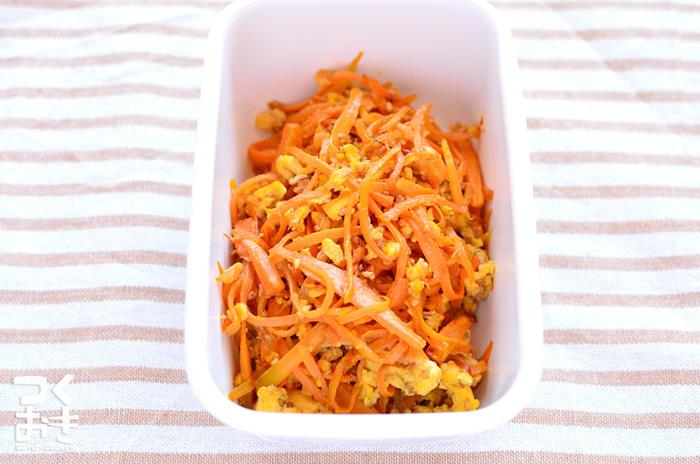 「しりしり」とは、沖縄の方言で千切りの意味。にんじんの自然な甘みが引き立つ炒め物です。  ■保存期間:冷蔵で5日