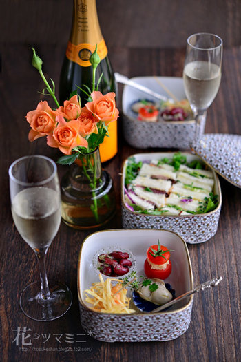 """【花ヲツマミニ】毎日のテーブルセッティングが楽しくなる""""ほ助""""さんの美しい食卓*"""