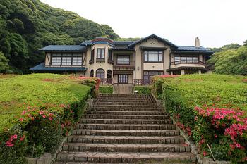 「鎌倉文学館」は、神奈川県鎌倉市にある国の登録有形文化財です。