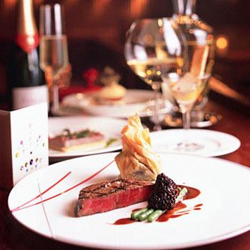 パスタや肉料理などフレンチベースのメニューが豊富。
