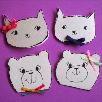 猫と熊のキュートなミニカード。リボンがまた可愛い。