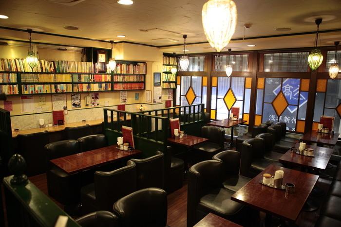 モーニングメニューのバリエーションが豊富で洋食のほかに、築地から仕入れた焼魚モーニングセットもある、古きよき喫茶店「友路有(トゥモロー)」