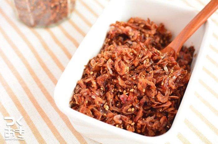 小エビの佃煮は、彩りがキレイなので、お弁当に入れても華やかになりますね。ゴマも加えると栄養満点になります。