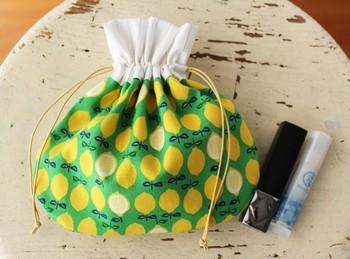 形が可愛い!本当にはまぐりの形みたいで、バッグの中に入れておくと便利そうですね。