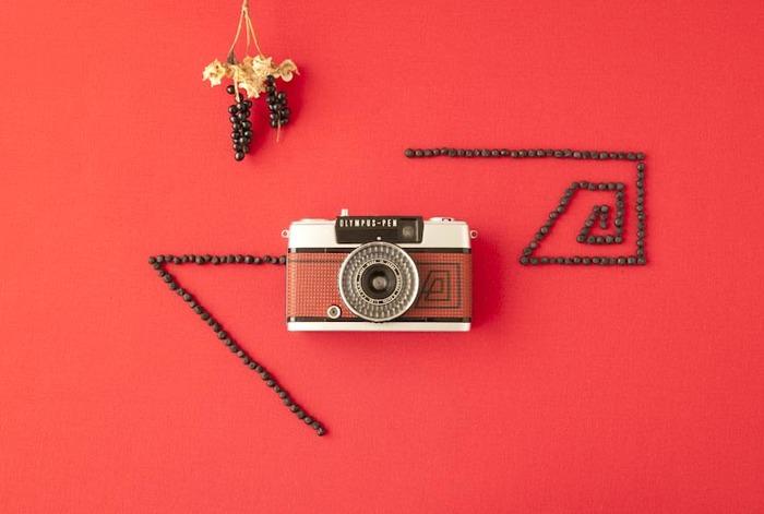 一時期大ブームとなった、60年代の小型フィルムカメラ。 そんなカメラに新たに息を吹き込んで、新しいデザインで販売しているのが、このRie-Cameさん。
