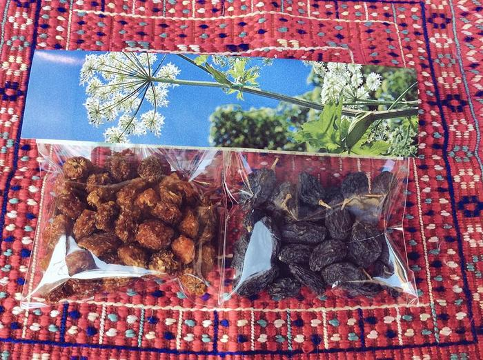サウスアベニューオリジナルのドライフルーツ。 マダガスカル産オーガニックほおずきとカシュガル産高級黒ぶどうのセット。 ついつい食べ過ぎてしまいそうです……。