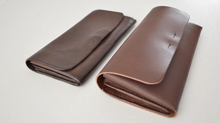 左:二年ほど使用。使い込むと革も柔らかくなります。