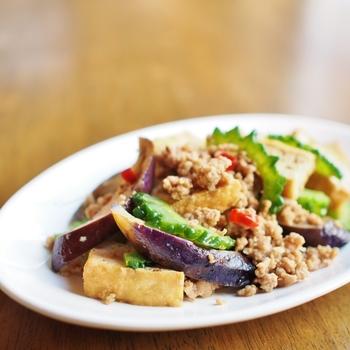 ■茄子と厚揚げの挽肉炒め  相性抜群の豚肉は、挽肉だってもちろんOK!茄子と厚揚げも入って、ボリューム満点♪