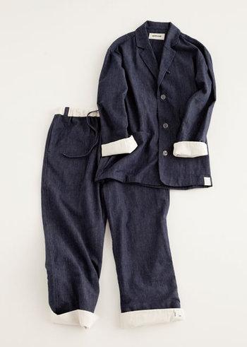 袖や裾の配色がとってもオシャレ。 インディゴカラーで大好きなデニムに包まれて眠っているような感覚。