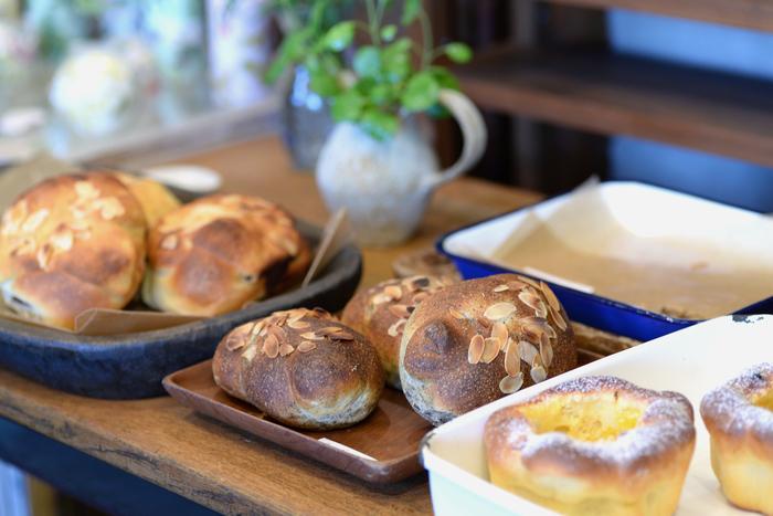 パンは隔週で月に2回程度販売。午前中にほとんどなくなってしまうほどの人気