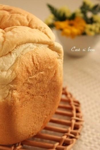 おかゆを入れて作る食パンは、おすすめ中のおすすめ! 冷めてもふんわりもちもちで、とっても美味しいんです♡