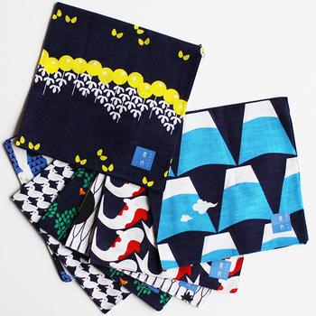 京都発の新しいテキスタイルブランド「青衣」。青衣のアイテムは、独自の藍染め技法を使って丁寧に染めており、コットンやガーゼ等のファブリックを使用して作られています。