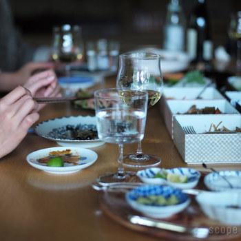 和食にワインを合わせることも多いですよね。 でもあまりにも洋の要素が強すぎてコーディネートに合わないことも。 これなら解決。