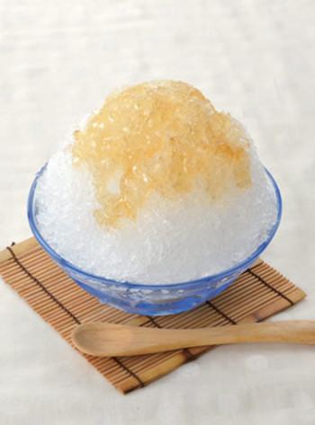 レモン汁とはちみつを混ぜてかけただけのとっても簡単かき氷!シンプルなのに、クセになるおいしさで、夏の暑さを吹き飛ばしてくれます☆